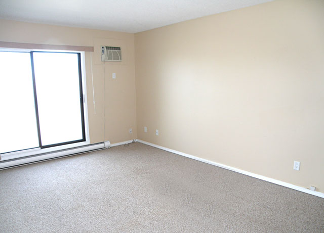Kamloops Apartments – Kelson Manor Apartments. Living Room empty