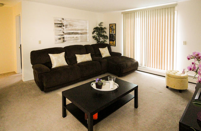 Heatheridge Estates Apartments Edmonton South West living room