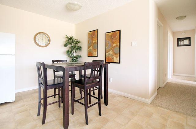 Sunronita House Apartments Leduc