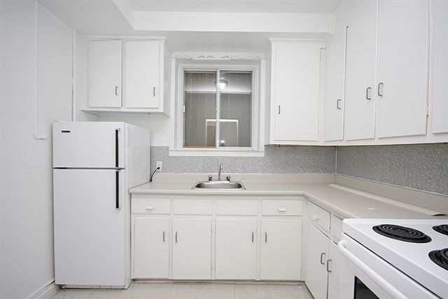 19 Strathcona Apartment for Rent Ottawa