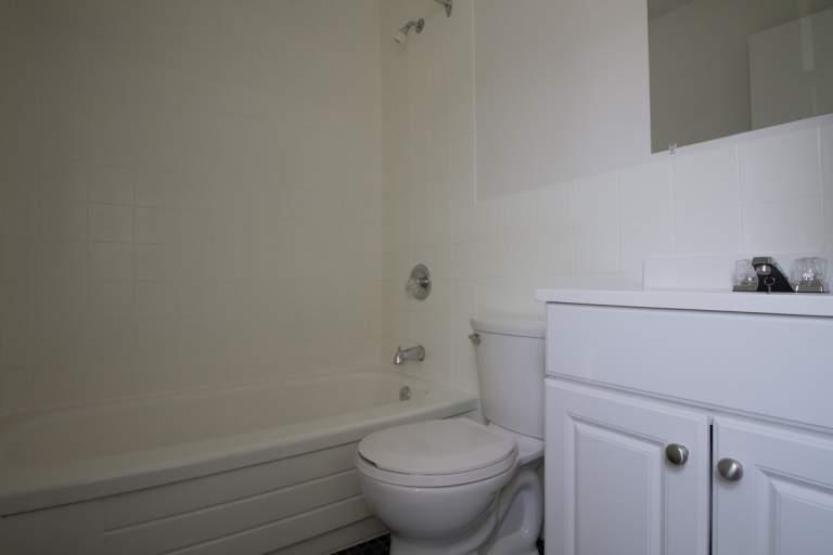 15 Louisa Apartment for Rent Ottawa