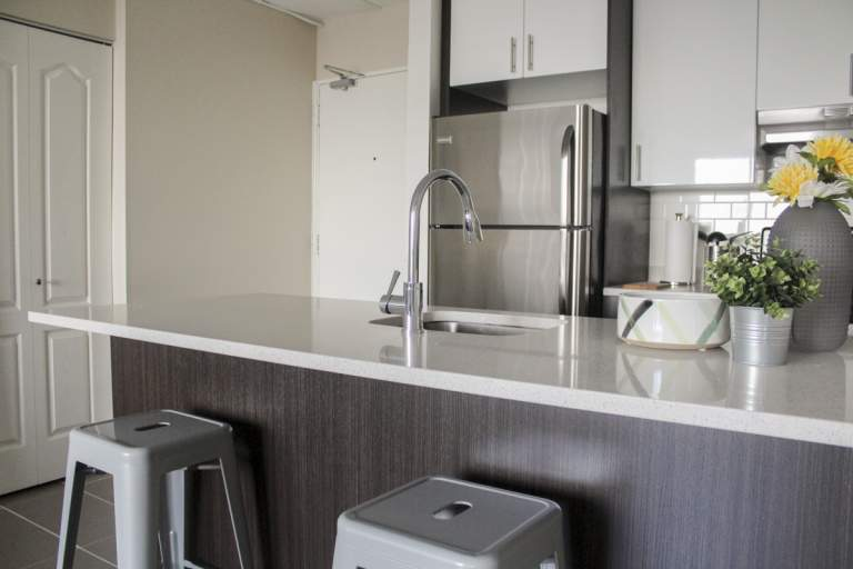 Le Neuville Extended Stay Apartment for Rent Montreal