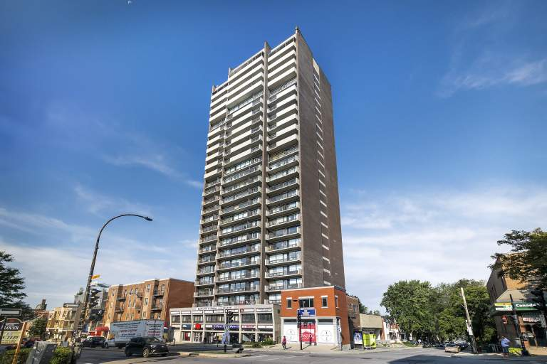 La Tour Hampstead Apartment for Rent Montreal