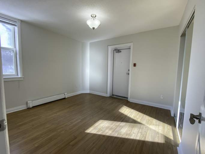 47-49 Somerset Apartment for Rent Ottawa