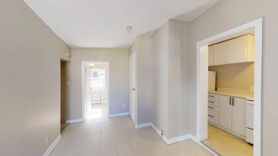 212 ½ - 216 ½ Bank Apartment for Rent Ottawa