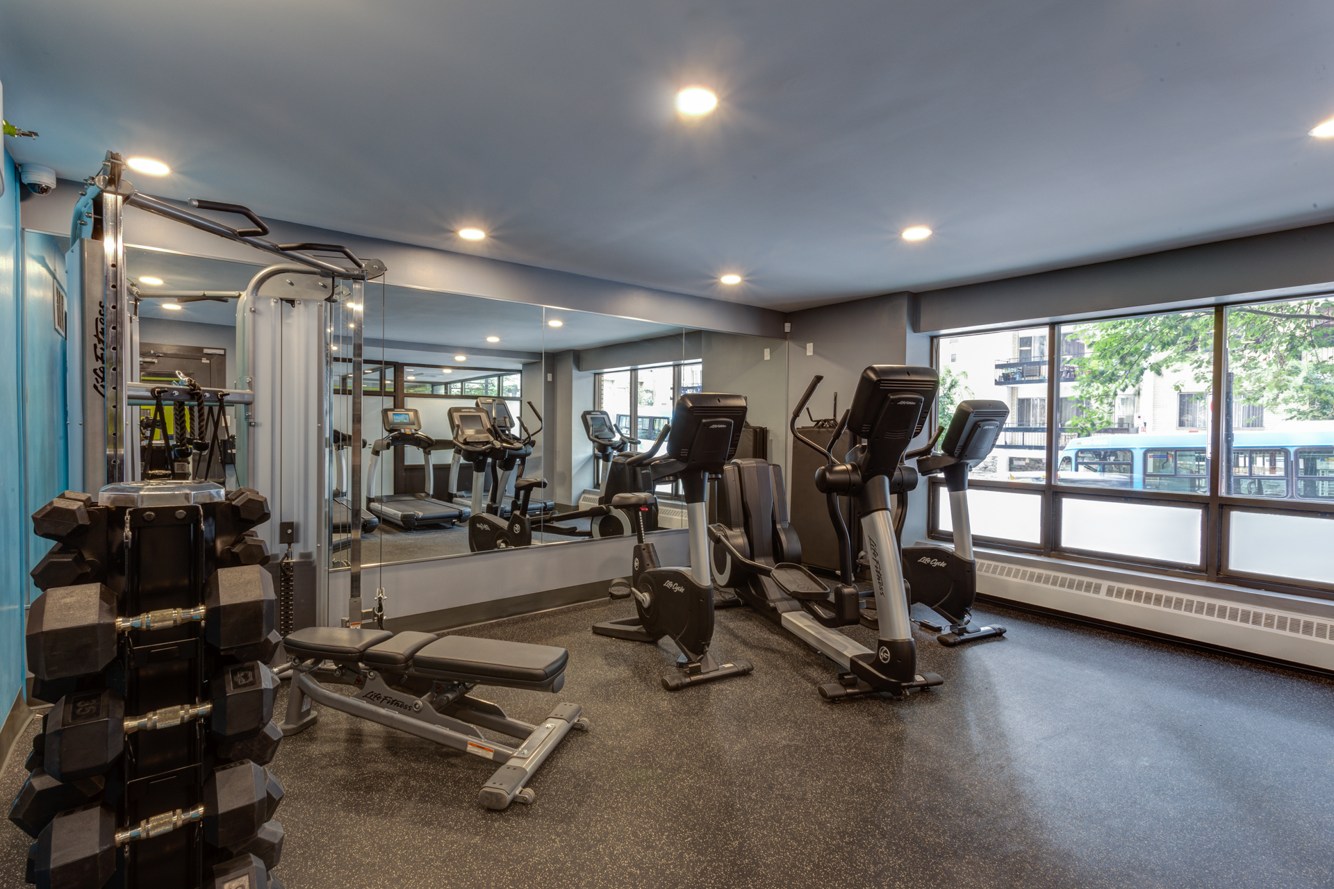 2255 Saint-Mathieu - Fitness Centre
