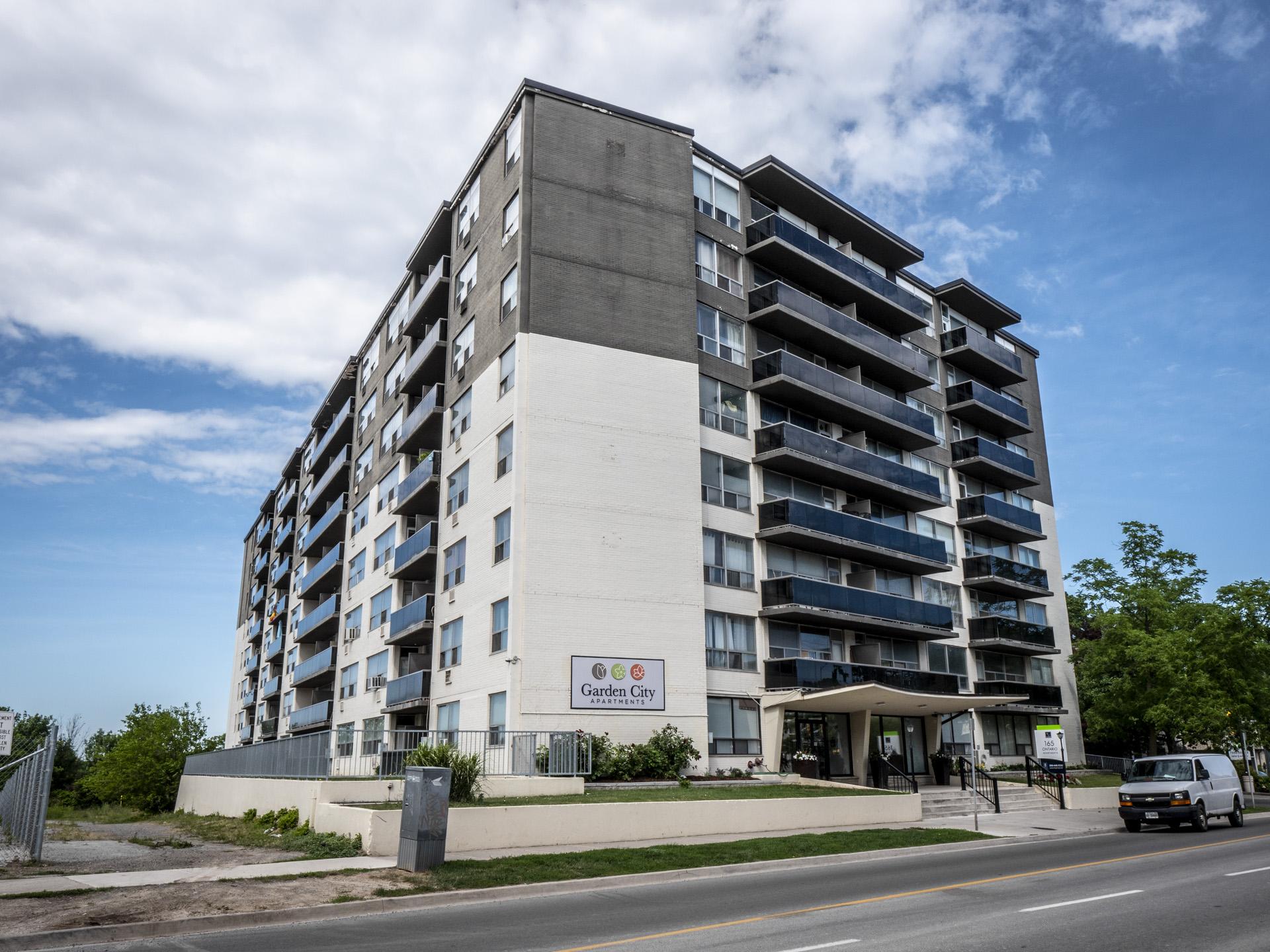 Park Towers- 158 Ontario