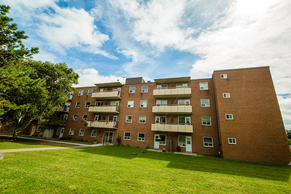 Grimsby Apartments - 1 Slessor