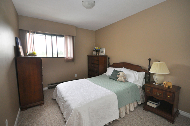 Valleyview Manor Apartments. bedroom1
