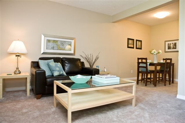 Edmonton Apartments for rent at Callingwood on 170th living dining