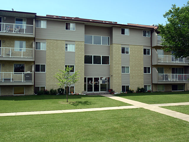Sunronita House Leduc Apartments