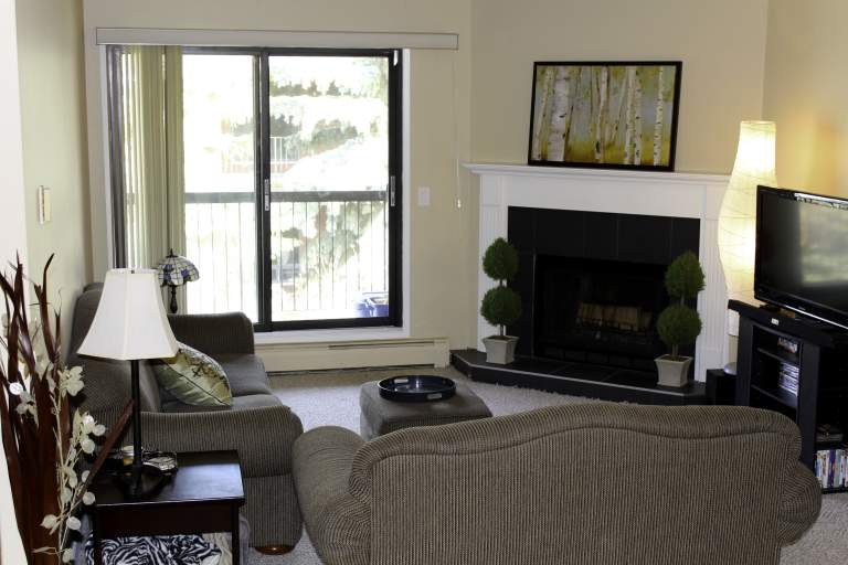 Broadview Meadows Apartments LivingRoom1 Sherwood Park