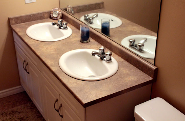 Broadview Meadows Apartments. bathroom2