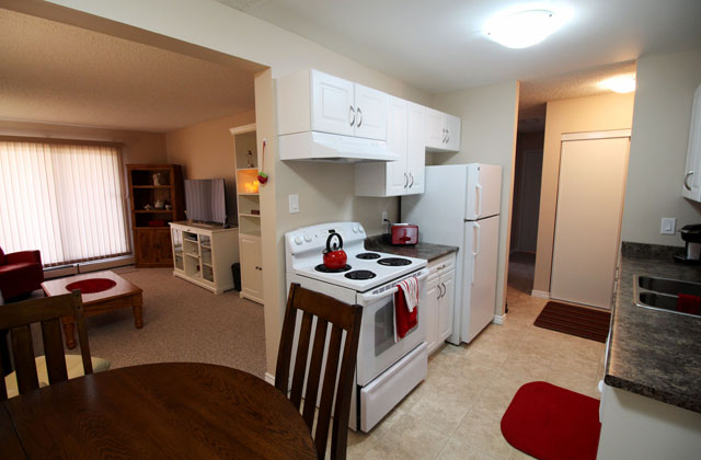 The Ridgewood Apartments. kitchen3