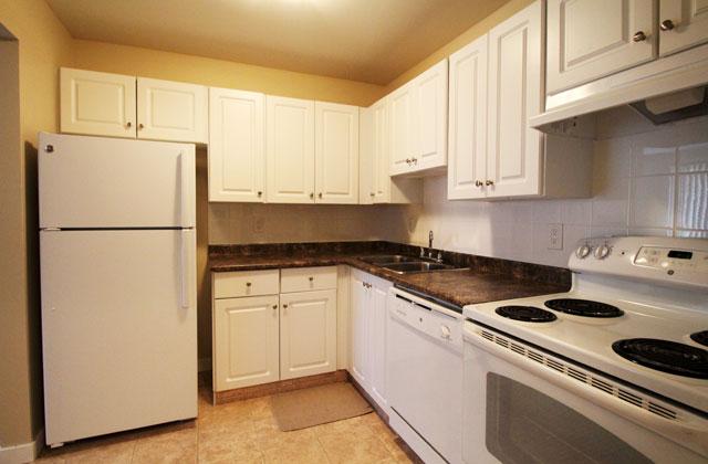 Southdale Park Apartments kitchen