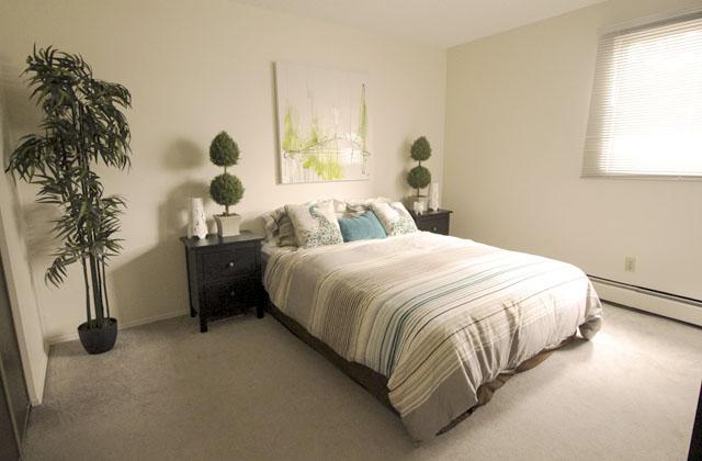 Heatheridge Estates Apartments Edmonton bedroom