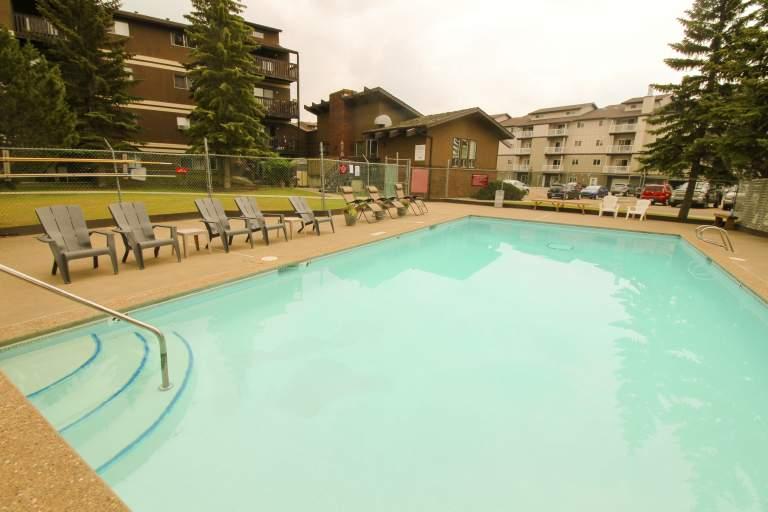Heatheridge Estates Apartments Edmonton pool