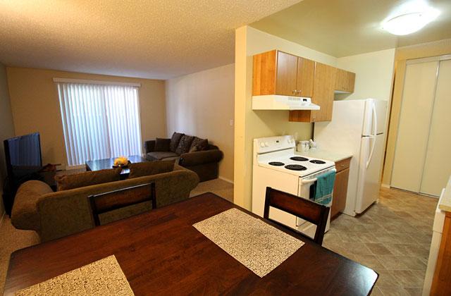Hillview Estates Apartments dining