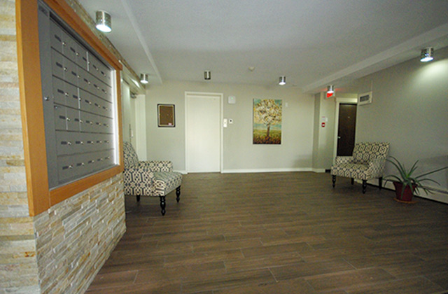 Viscount Villa Apartments. lobby2