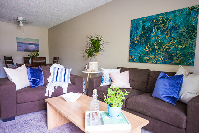 Carriage House Apartments. livingdining2
