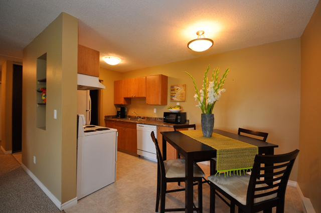 Stetson Place Apartments. kitchen dining room