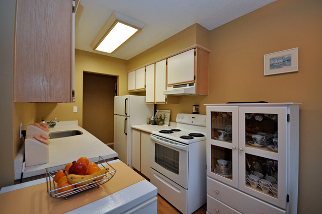Buckland Manor Apartment. Kitchen