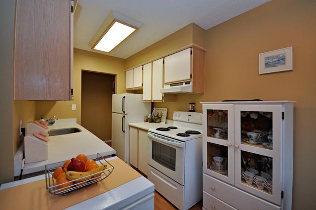 Rent in Kelowna – Buckland Manor. Suite