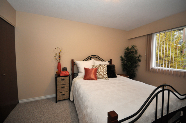 Apartments in Kelowna – Pandosy Square. Bedroom
