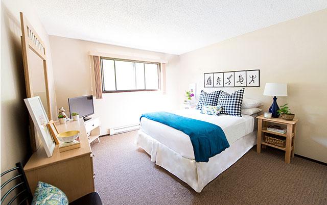 Forest Glen Apartment bedroom full