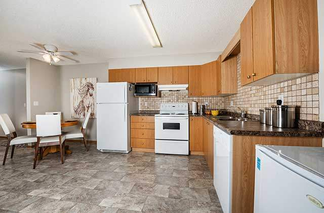 Emerald Manor Apartments. kitchen