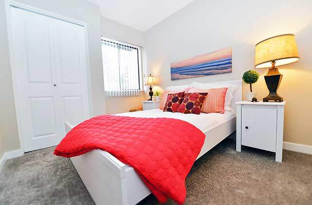Riverside Gardens Townhouses. bedroom2