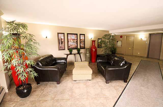 Heatheridge Estates Apartments. lobby