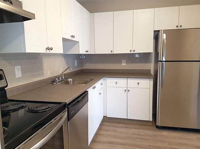 Southdale Park Apartments. kitchen2