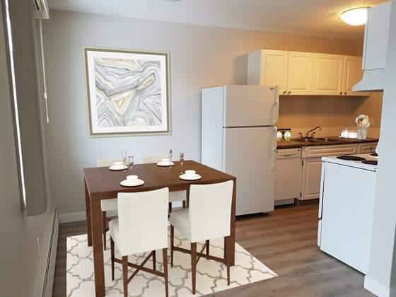 Sunronita House Apartments. dining