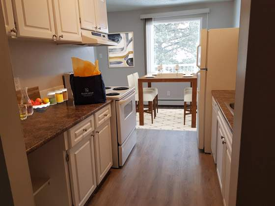 Sunronita House Apartments. kitchen dining