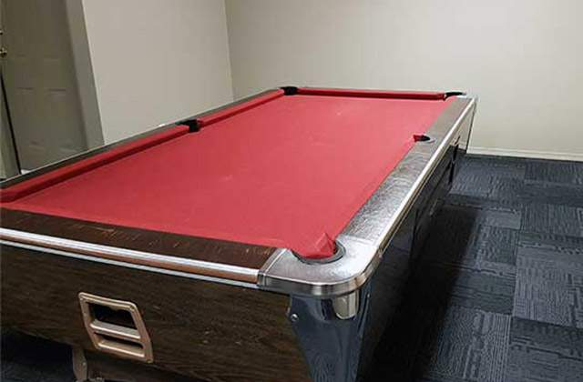 Glynnwood Terrace Apartments. pool table