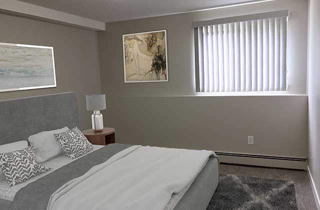The Ridgewood Apartments. bedroom