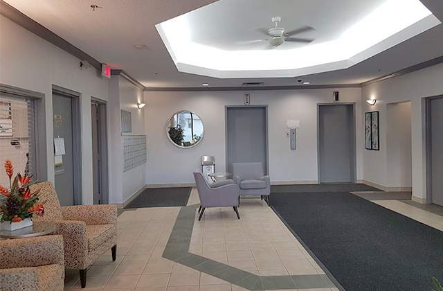 Summit Square Apartments. lobby