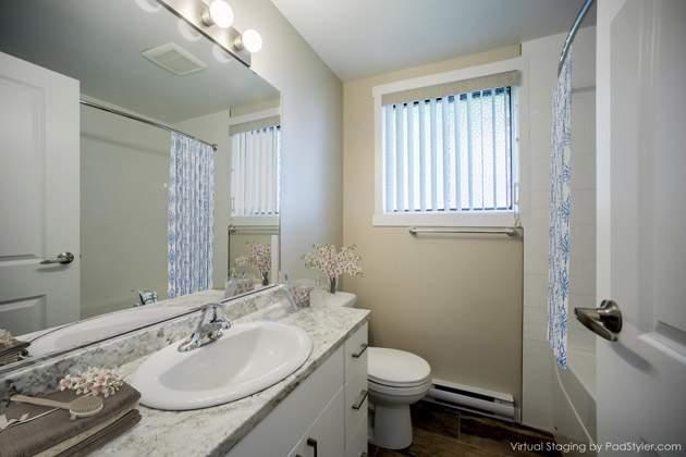 Curlew Apartments bathroom