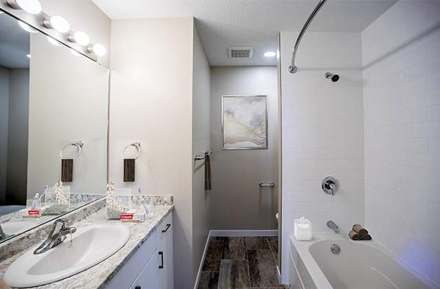 Glynnwood Terrace Apartments bathroom