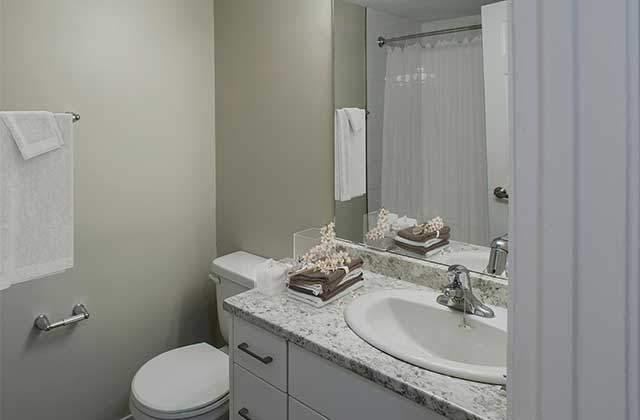 Stetson Place Apartments bath